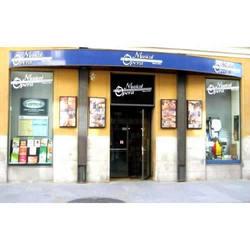 Fachada de la Tienda Musical Ópera en Madrid.